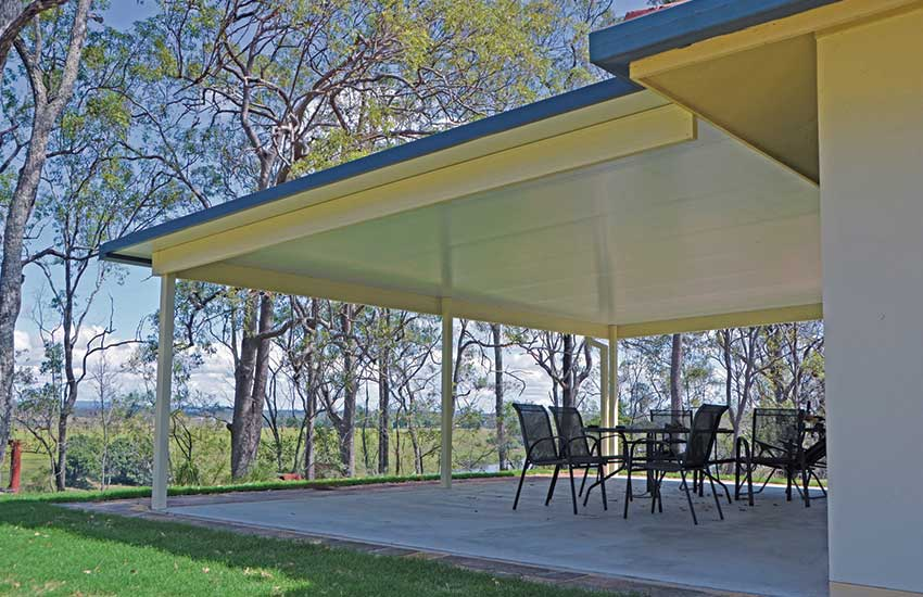 Insulated roof awning
