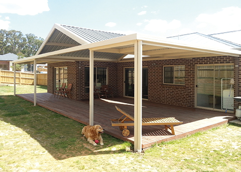 Attached verandah featuing Monoclad roof sheeting